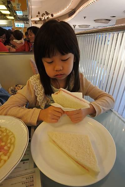 香港翠華餐廳 (13).JPG
