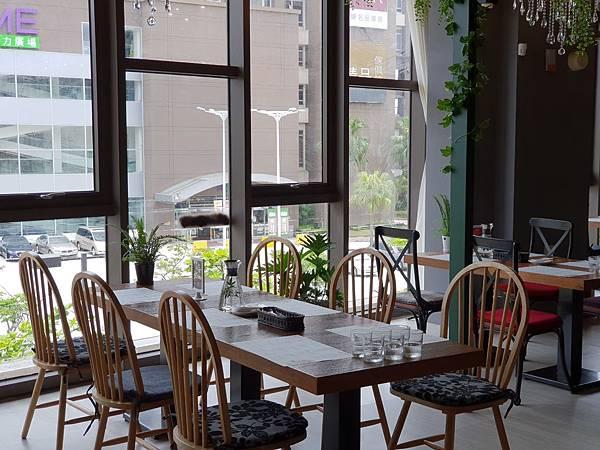 台北市樂尼尼義式餐廳台北內湖店 (3).jpg