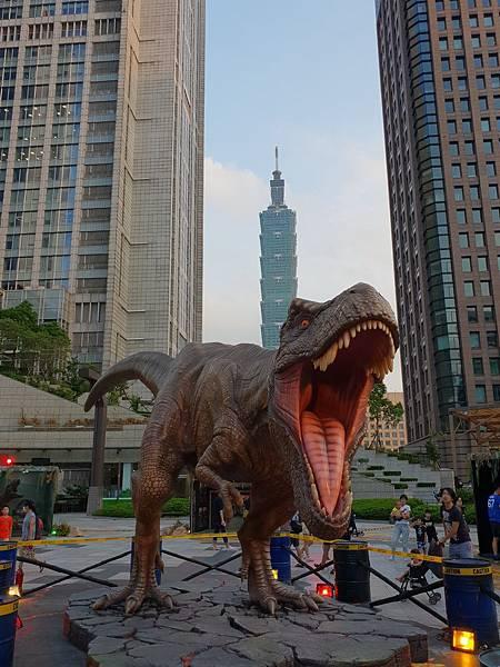 亞亞的恐龍驚魂記 (1).jpg