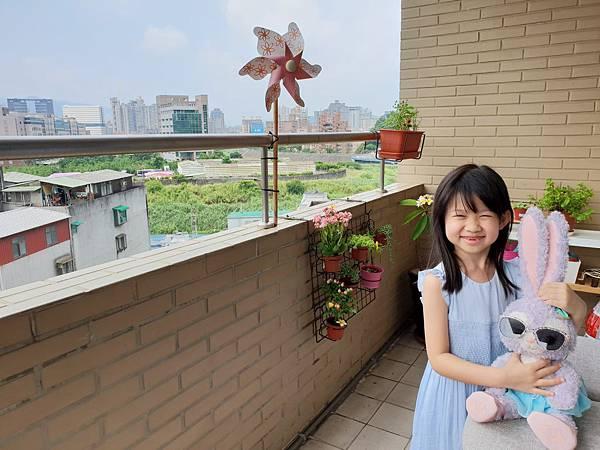 亞亞與陽台小花園 (1).jpg