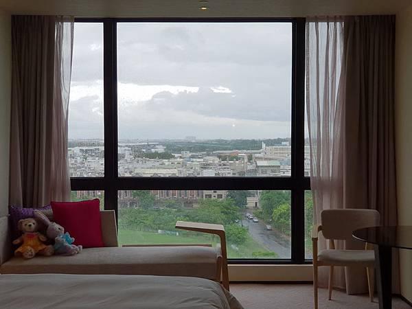 台南市台南大員皇冠假日酒店:雅緻客房 (8).jpg
