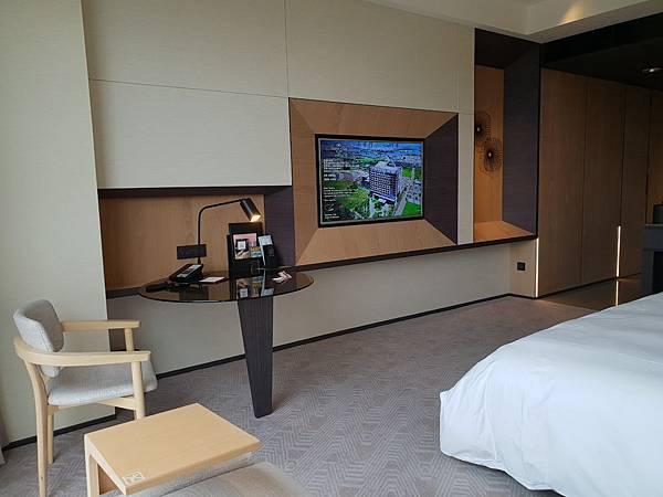 台南市台南大員皇冠假日酒店:雅緻客房 (10).jpg