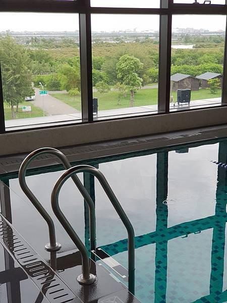 台南市台南大員皇冠假日酒店:游泳池及三溫暖 (3).jpg