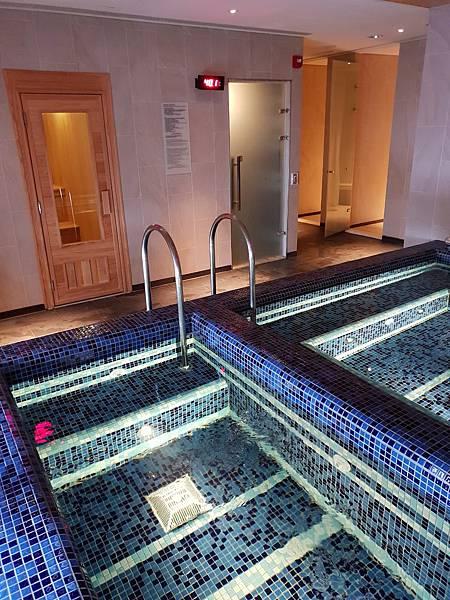 台南市台南大員皇冠假日酒店:游泳池及三溫暖 (13).jpg
