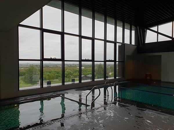 台南市台南大員皇冠假日酒店:游泳池及三溫暖 (29).jpg