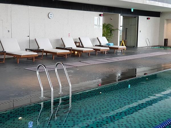台南市台南大員皇冠假日酒店:游泳池及三溫暖 (36).jpg