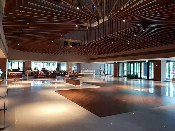 台南市台南大員皇冠假日酒店:大廳+外觀 (1).jpg