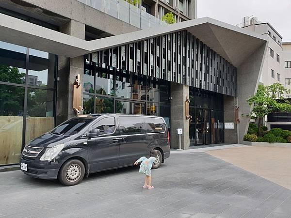 台南市U.I.J HOTEL %26; HOSTEL:外觀 (16).jpg