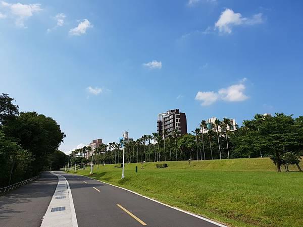 台北市華中河濱公園 (4).jpg