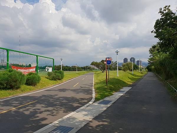 台北市華中河濱公園 (2).jpg