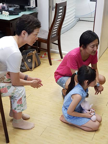 亞亞的開刀陪伴記 (8).jpg
