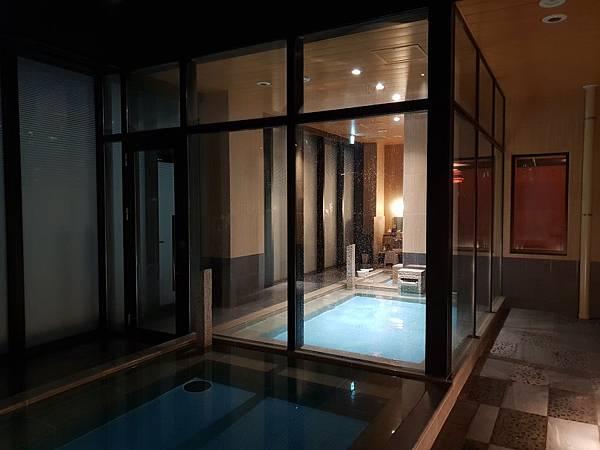 日本東京都CANDEO HOTELS TOKYO SHIMBASHI:SKYSPA+洗衣間 (1).jpg