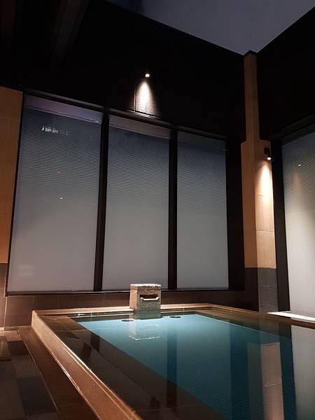 日本東京都CANDEO HOTELS TOKYO SHIMBASHI:SKYSPA+洗衣間 (2).jpg