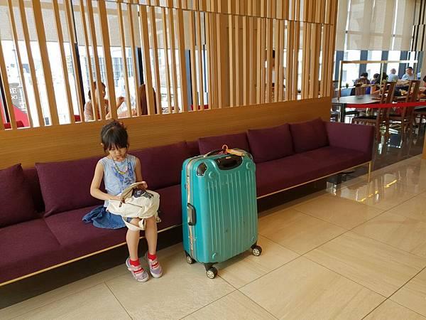 日本東京都CANDEO HOTELS TOKYO SHIMBASHI:餐廳+大廳 (4).jpg