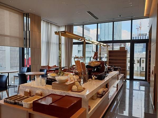 日本東京都CANDEO HOTELS TOKYO SHIMBASHI:餐廳+大廳 (3).jpg