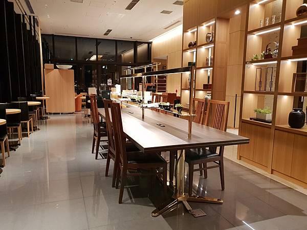 日本東京都CANDEO HOTELS TOKYO SHIMBASHI:餐廳+大廳 (9).jpg