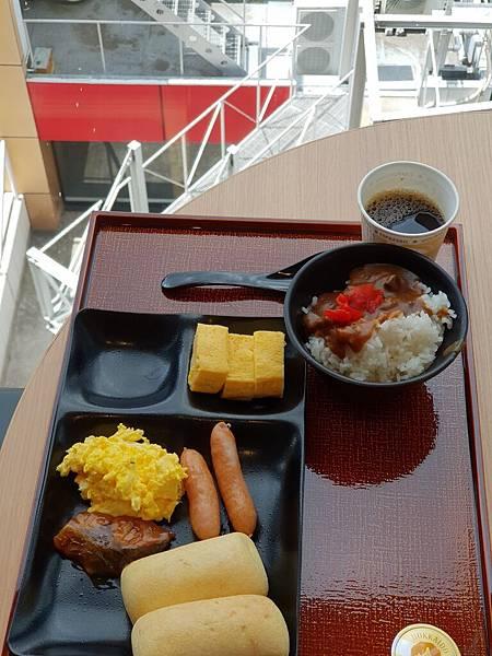 日本東京都CANDEO HOTELS TOKYO SHIMBASHI:餐廳+大廳 (15).jpg