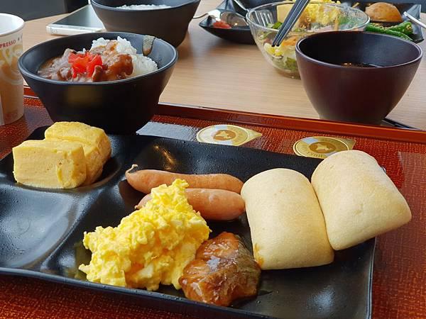 日本東京都CANDEO HOTELS TOKYO SHIMBASHI:餐廳+大廳 (17).jpg