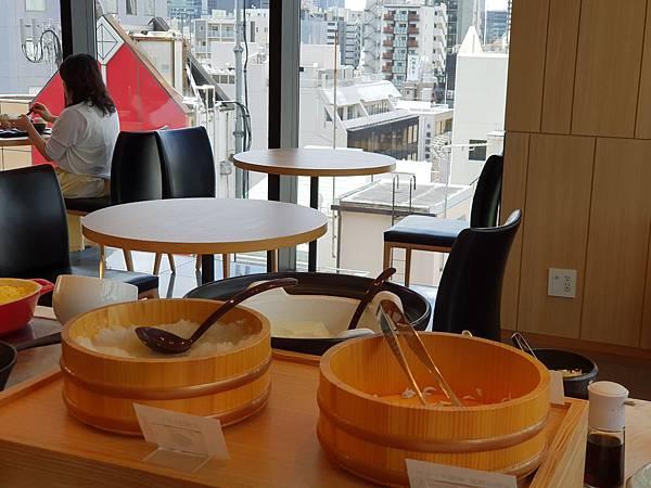 日本東京都CANDEO HOTELS TOKYO SHIMBASHI:餐廳+大廳 (22).jpg