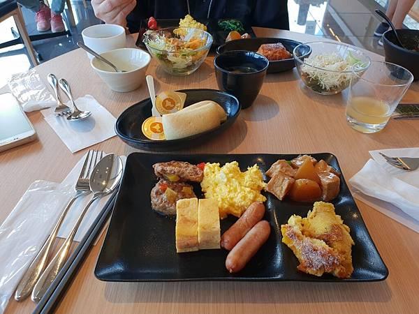 日本東京都CANDEO HOTELS TOKYO SHIMBASHI:餐廳+大廳 (32).jpg