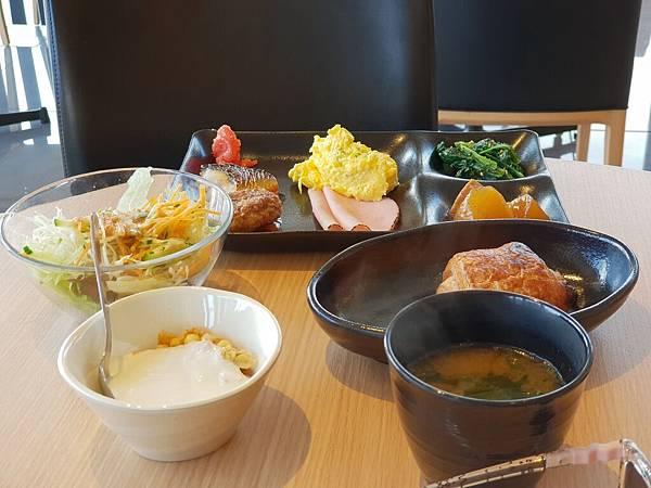 日本東京都CANDEO HOTELS TOKYO SHIMBASHI:餐廳+大廳 (29).jpg