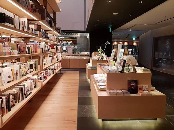 日本東京都GINZA SIX:銀座 蔦屋書店 (4).jpg