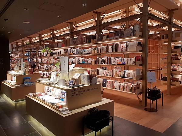 日本東京都GINZA SIX:銀座 蔦屋書店 (8).jpg