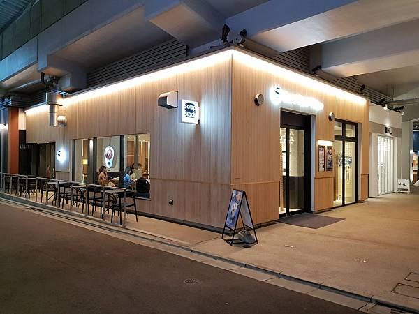 日本東京都中目黒 蔦屋書店 (3).jpg