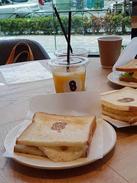 日本東京都eight days cafe (9).jpg