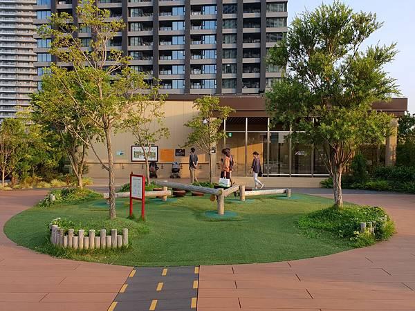 日本神奈川県GRANDTREE MUSASHIKOSUGI:GRAND GREEN GARDEN (6).jpg