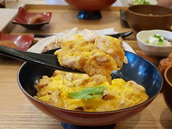 台北市尾張鶏三和微風信義店 (9).jpg