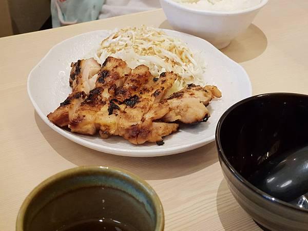 台北市尾張鶏三和微風信義店 (10).jpg