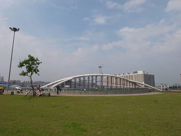 台北縣新店市陽光橋 (1).JPG