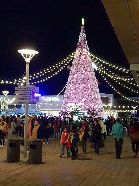 亞亞的華泰聖誕村 (2).jpg