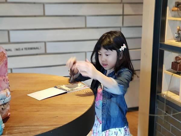 高雄市高雄中央公園英迪格酒店:外觀+大廳 (9).jpg