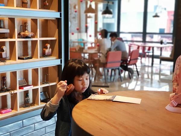 高雄市高雄中央公園英迪格酒店:外觀+大廳 (10).jpg