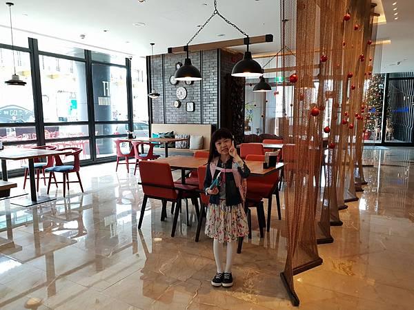 高雄市高雄中央公園英迪格酒店:CRAFT咖啡廳 (11).jpg