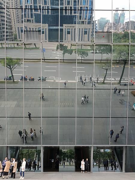 台北市南山廣場【盜攝版】3 (11).jpg