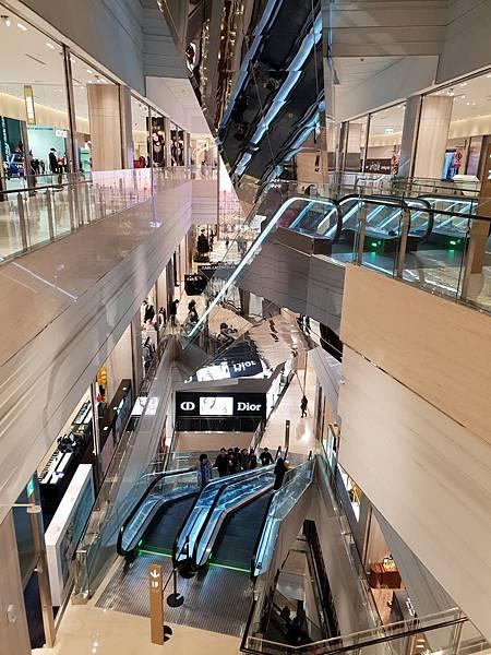 台北市微風南山:2F 名品迴廊 ATRE%5C (5).jpg
