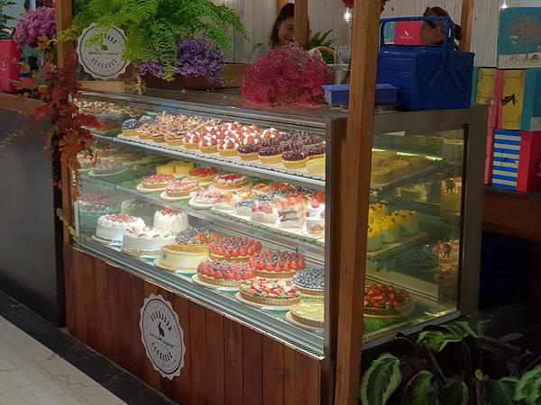 台北市微風南山:B1 微風超市 精緻甜點 ‧ 熟食街 (4).jpg