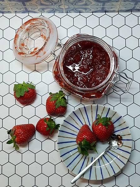 手作草莓果醬 (2).jpg