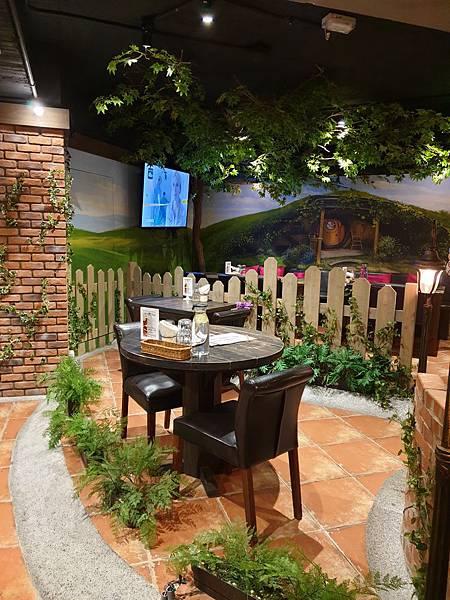台中市綠宿行旅:夏爾餐酒館 (3).jpg