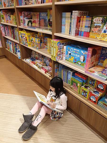 桃園縣龜山鄉Global Mall桃園A8 (7).jpg