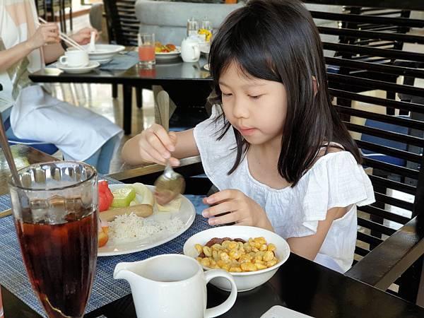 印尼民丹島Angsana Bintan:Lotus Cafe%5C早餐 (7).jpg