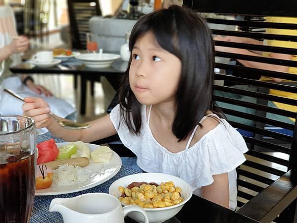 印尼民丹島Angsana Bintan:Lotus Cafe%5C早餐 (10).jpg
