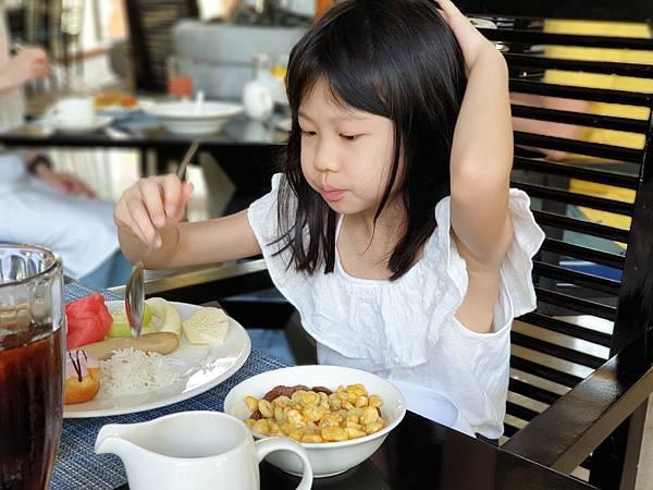 印尼民丹島Angsana Bintan:Lotus Cafe%5C早餐 (11).jpg