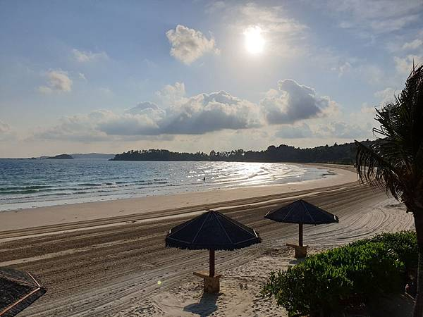 印尼民丹島Angsana Bintan:Xana Beach Club+Beach (1).jpg
