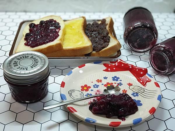 手作藍莓芭娜娜 (9).jpg