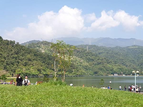亞亞的龍潭湖遛奶油 (16).jpg