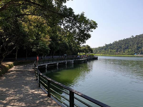亞亞的龍潭湖遛奶油 (35).jpg